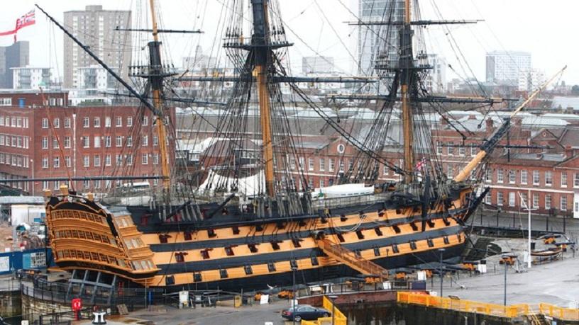 Флагман адмирала Нельсона линкор Виктори на вечной стоянке в Портсмуте