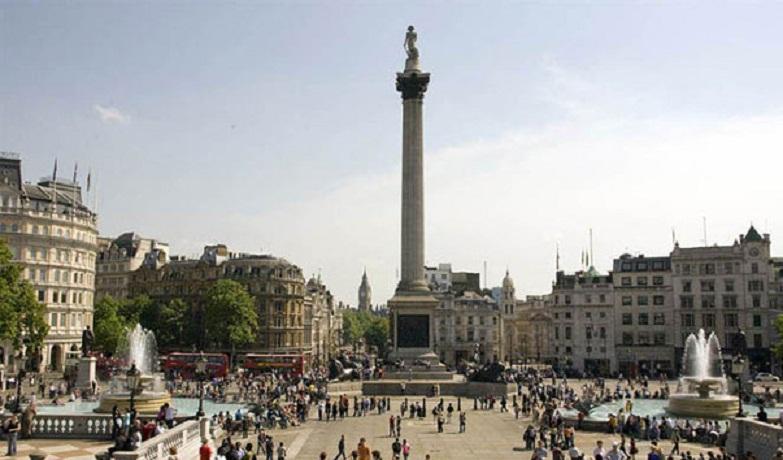 Колонна Нельсона на Трафальгарской площади Лондона